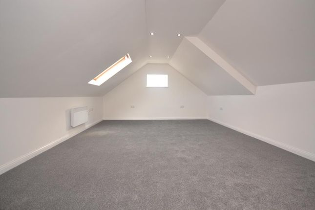 Thumbnail Flat to rent in Northumberland Avenu, Reading
