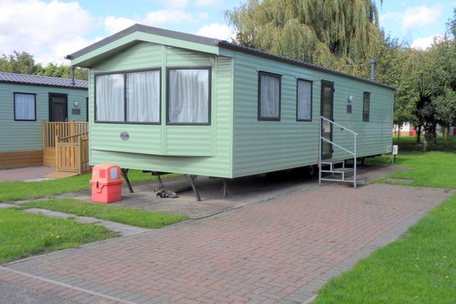 Thumbnail Mobile/park home for sale in Silverhill Holiday Park, Lutton Gowts, Lutton, Spalding, Lincolnshire