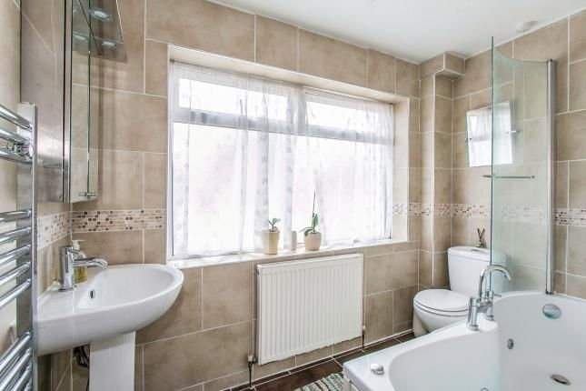 Family Bathroom of Manor Court, Ringwood BH24