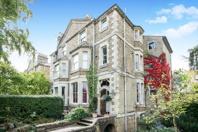 Thumbnail Flat for sale in Warnborough Road, Oxford