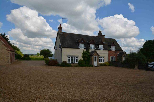 Thumbnail Cottage to rent in Alderton Road, Towcester, Northamptonshire
