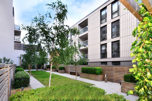 Thumbnail Flat for sale in Balham Hill, Clapham South