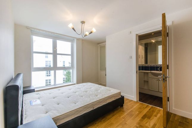 Thumbnail Flat to rent in Barrier Point Road, Silvertown
