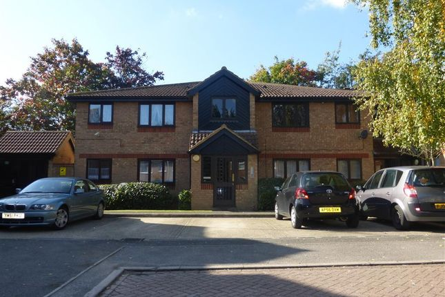 Thumbnail Flat to rent in Rodeheath, Luton