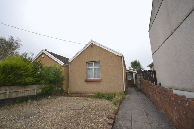 2 bed detached bungalow to rent in Abbey Street, Kidwelly SA17