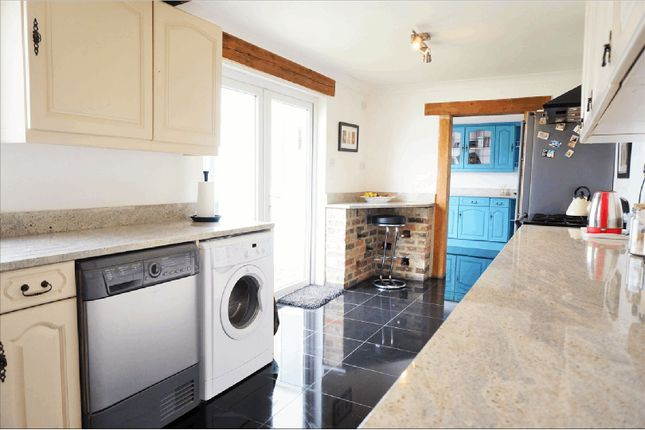 Kitchen of Old Fort Road, Shoreham-By-Sea BN43