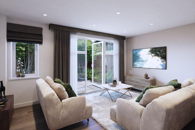 2 bedroom flat for sale in Five Oaks Lane, Havering
