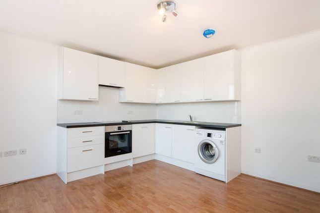 Thumbnail Flat to rent in Garratt Lane, Earlsfield