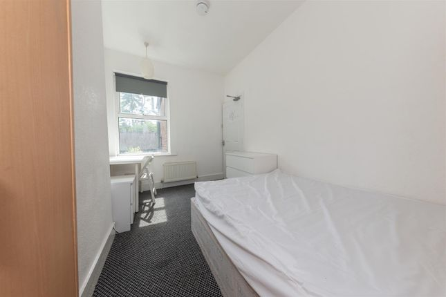 Bedroom 4 of Kingsland Road, Luton, Bedfordshire LU1