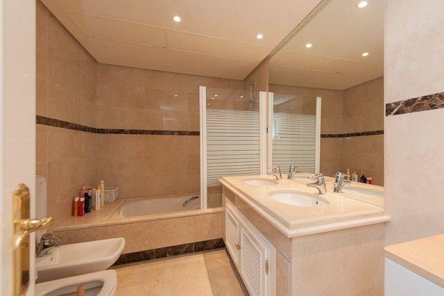 Bathroom of Spain, Málaga, Marbella, Puerto Banús