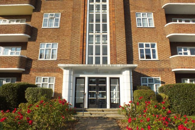 Thumbnail Flat to rent in Sandgate Road, Folkestone