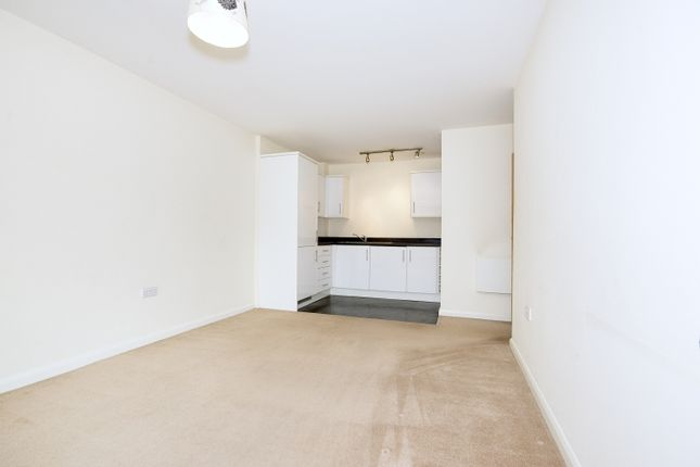 Thumbnail Flat to rent in 6 Welch Way Oxfordshire, Witney