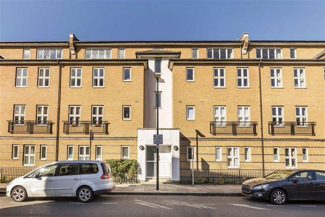 Thumbnail Flat to rent in Buckfast Street, London