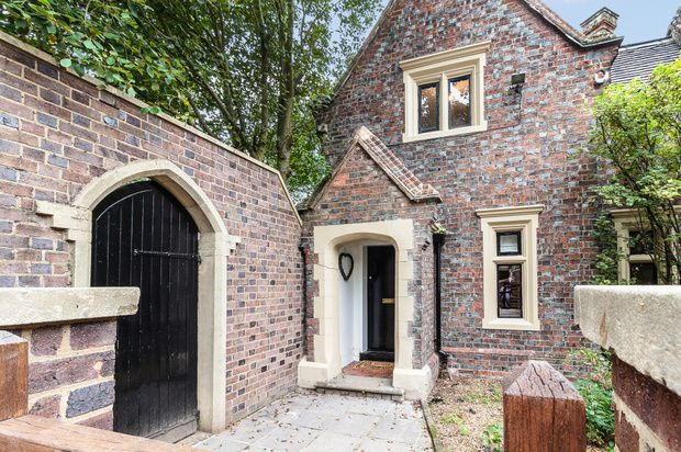 Thumbnail Detached house for sale in Church End, St. Albans