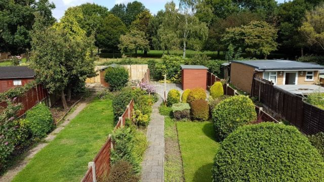 3 bed semi-detached house to rent in Kingsmeade Avenue, Northolt