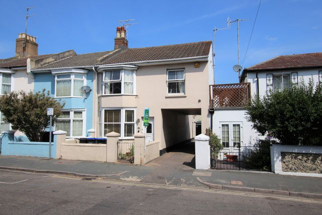 Thumbnail Property to rent in Wenban Road, Worthing