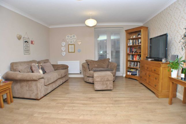 Thumbnail Flat to rent in Edward Vinson Drive, Faversham