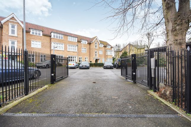 Thumbnail Penthouse for sale in Cheveley Road, Newmarket