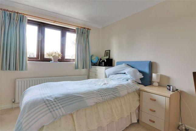 Bedroom 4 of Northfield Close, Clanfield, Waterlooville PO8