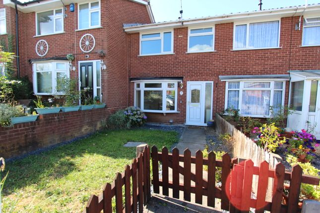 Thumbnail Terraced house to rent in Broad Oak Drive, Stapelford