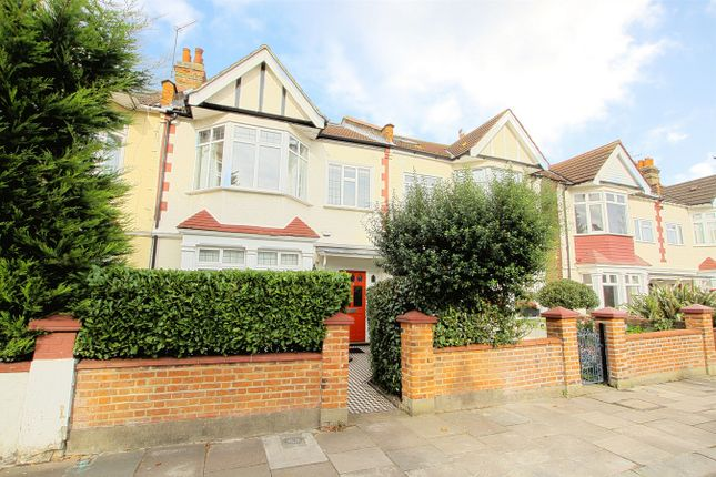 4 bed terraced house to rent in Claygate Road, London