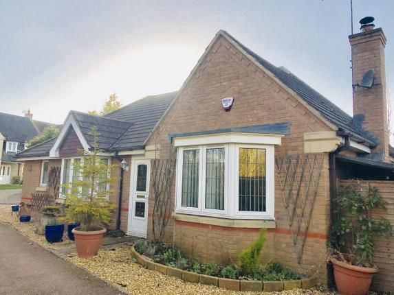 3 bed bungalow for sale in Bugloss Walk, Bicester, Oxfordshire