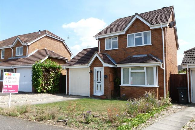 Thumbnail Property to rent in Hawthorn Drive, Scarning, Dereham