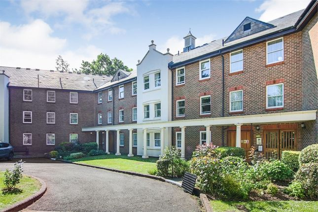 Thumbnail Flat for sale in Fairfield Road, East Grinstead, West Sussex