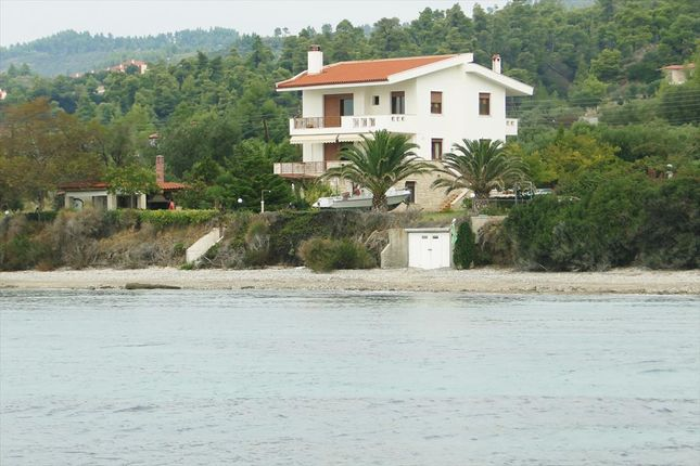 Thumbnail Villa for sale in Nea Skioni, Chalkidiki, Gr