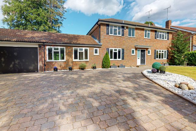 5 bed detached house to rent in Ashcroft Park, Cobham KT11