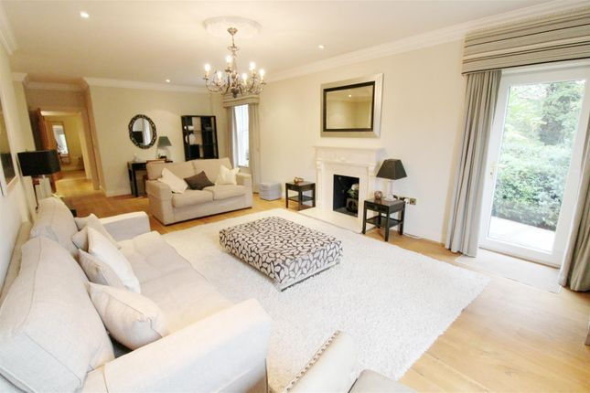 Thumbnail Flat to rent in Treetops, The Mount, Caversham