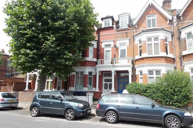 Thumbnail Flat to rent in Chatsworth Road, Willesden Green, London
