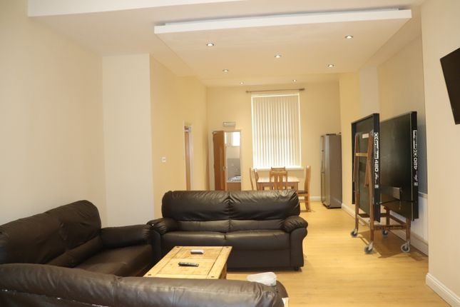 Thumbnail Town house to rent in University Road, Leicester
