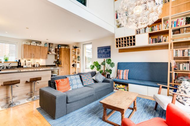 Thumbnail Penthouse for sale in Blackmore Court, Fenchurch Walk, Brighton