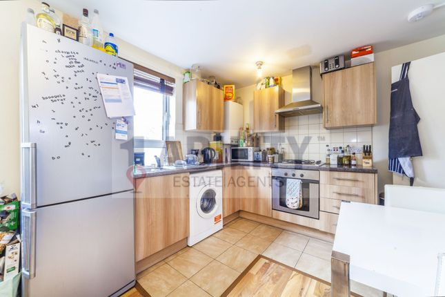 Thumbnail Flat to rent in Phoenix Wharf Road, London