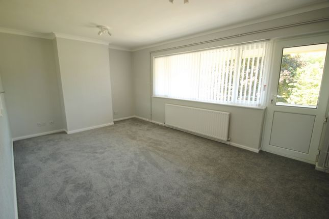 Thumbnail Maisonette to rent in Brittenden Parade, Green Street Green