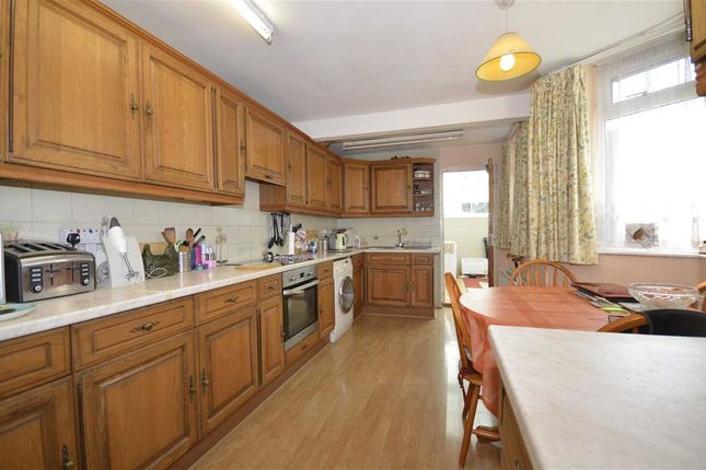 Thumbnail Terraced house for sale in Oakleigh Road North, London