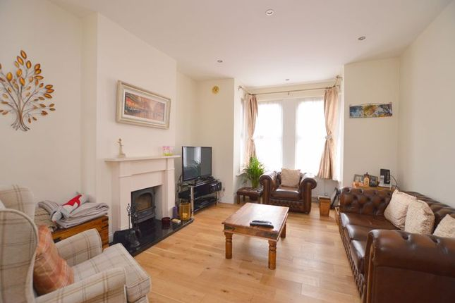 4 bed terraced house to rent in Butler Road, Harrow HA1