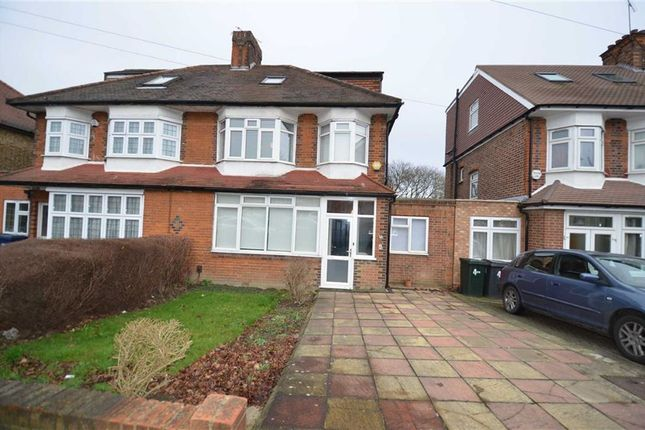 4 bed property to rent in Chanctonbury Way, London