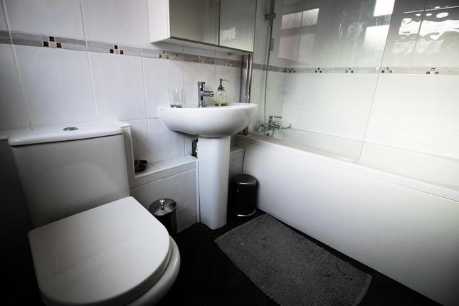 Master Bathroom of Elemore Lane, Easington Lane Village, Hetton Parish, City Of Sunderland, Tyne And Wear DH5