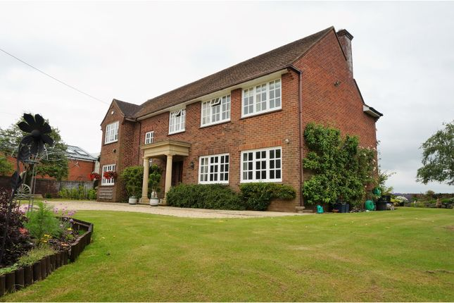 Thumbnail Detached house for sale in Causeway End, Brinkworth