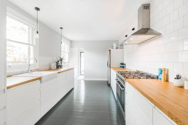 4 bed property to rent in Leyspring Road, Bushwood