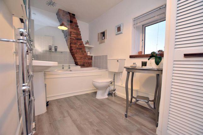 Bathroom of Well Yard, Swinney Lane, Belper DE56