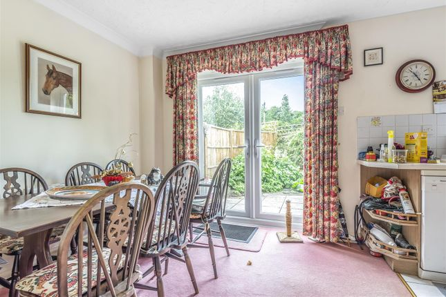 597650 (12) of Thornleas Place, East Horsley, Leatherhead KT24