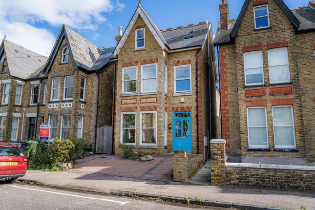 4 bed property to rent in Beacon Road, Herne Bay CT6