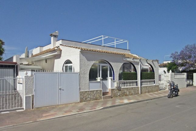 2 bed bungalow for sale in Los Alcázares, Murcia, Spain