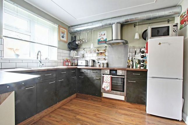 Flat for sale in Queens Drive, Cottingham