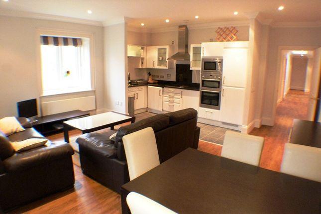 Thumbnail Flat to rent in Mill Lane, Blackpill, Swansea