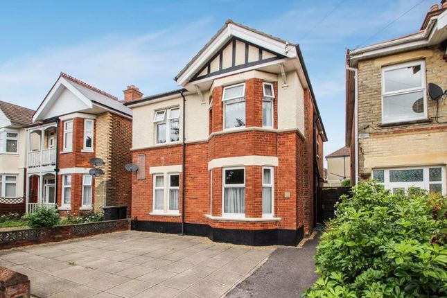 Thumbnail Detached house to rent in Maxwell Road, Winton, Bournemouth