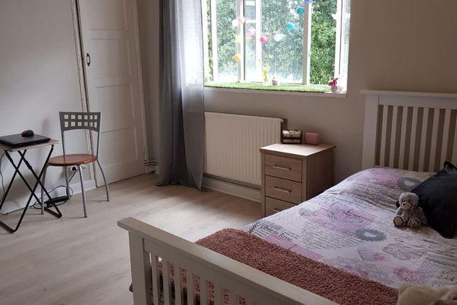 Thumbnail Flat to rent in Kingsnympton Park, Kingston Upon Thames